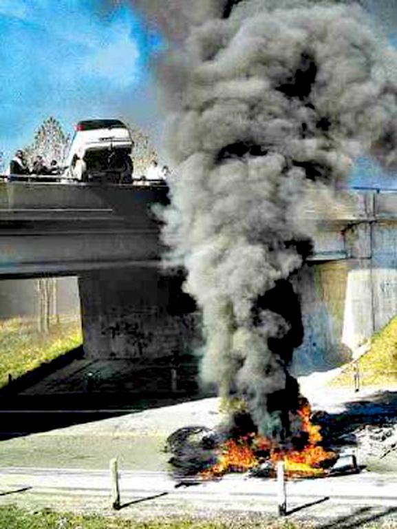 six-nations-2006-car-bridge-fire